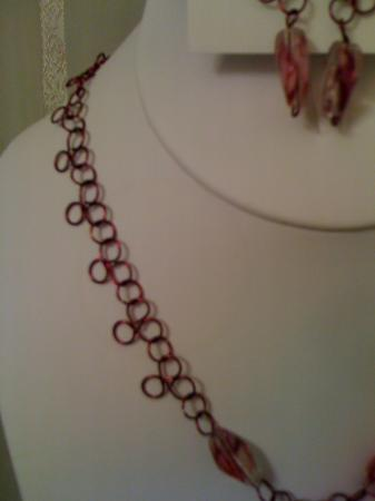 """Lace"" Necklace set in Wine"